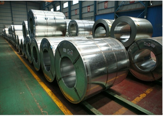 Cina SGCC, DX51D Hot Dipped Galvanized Steel Coils 700mm - 1500mm Lebar EN10326 pabrik